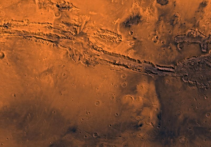 Valles_Marineris_PIA00178_R